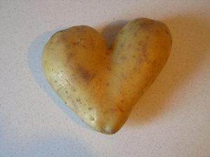 potatoe heart. Image by  cuorhome