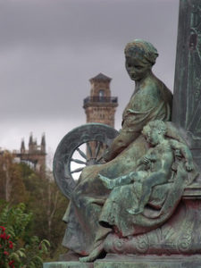 Motherhood Statue. Image by GlasgowAmateur